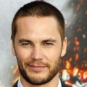 Taylor Kitsch 4 of 10
