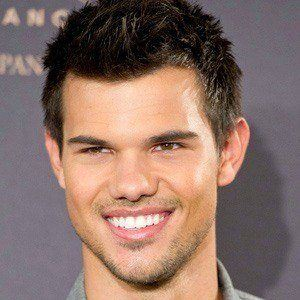 Taylor Lautner 4 of 10