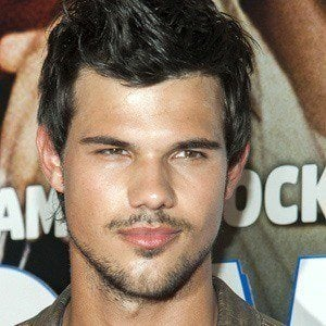 Taylor Lautner 5 of 10