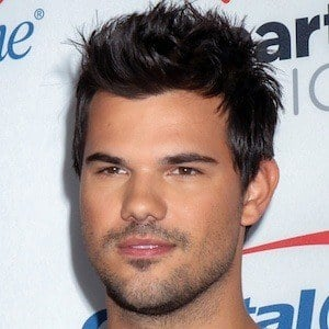 Taylor Lautner 10 of 10