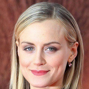 Taylor Schilling 5 of 10