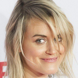 Taylor Schilling 6 of 10