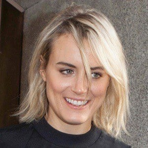 Taylor Schilling 8 of 10