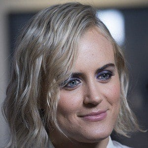 Taylor Schilling 9 of 10