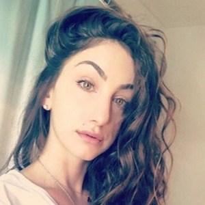 Teriana Jacobs 3 of 6