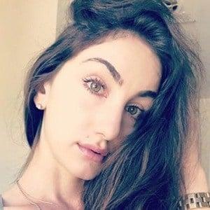 Teriana Jacobs 5 of 6