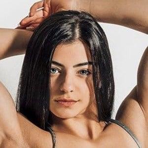 Tessa Barresi 2 of 6