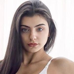 Tessa Barresi 3 of 6