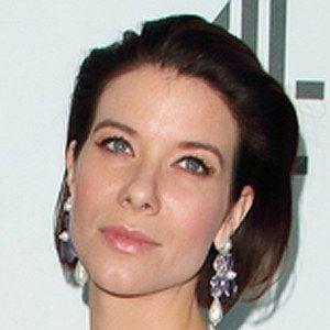 Tessa Ferrer Headshot 5 of 5