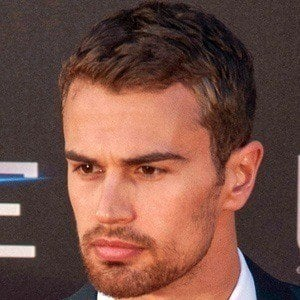Theo James 3 of 9