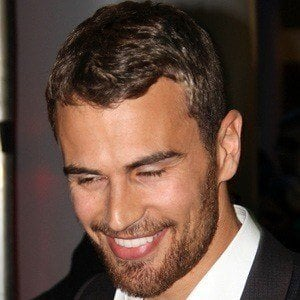 Theo James 4 of 9