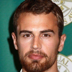 Theo James 5 of 9