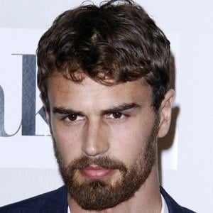 Theo James 7 of 9