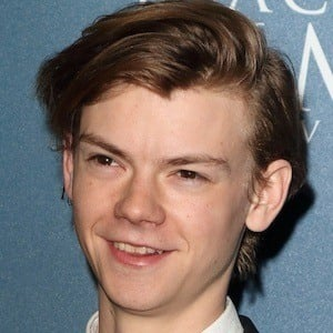 Thomas Brodie-Sangster 9 of 10