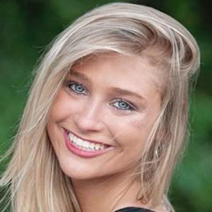 Tiffany Ashton 3 of 5
