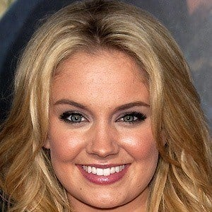 Tiffany Thornton 5 of 8