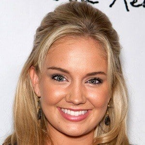 Tiffany Thornton 7 of 8