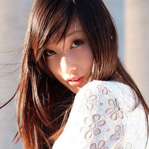 Tiffany Zhou 5 of 5