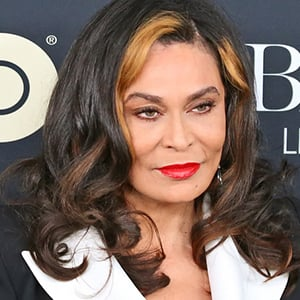 Tina Knowles 8 of 10