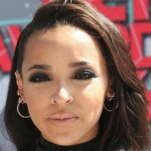 Tinashe Kachingwe 4 of 8