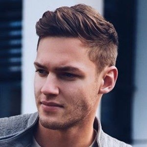 Tobias Reuter 4 of 6