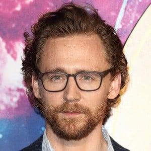 Tom Hiddleston 3 of 9