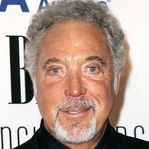 Tom Jones 4 of 10