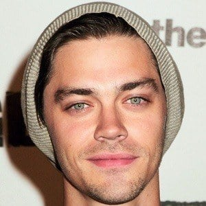 Tom Payne 4 of 9