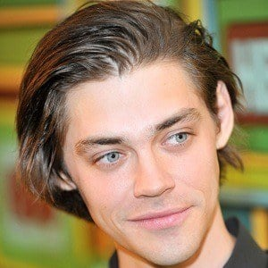 Tom Payne 5 of 9