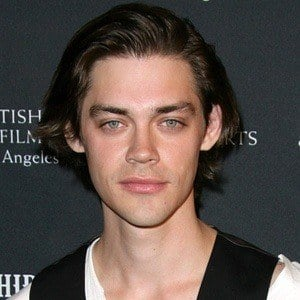 Tom Payne 7 of 9