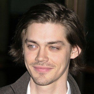 Tom Payne 9 of 9
