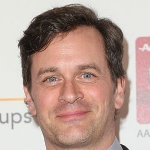 Tom Everett Scott 7 of 10