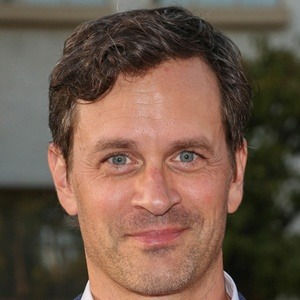 Tom Everett Scott 8 of 10