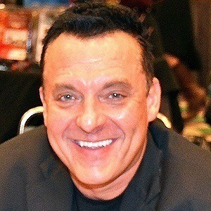 Tom Sizemore 2 of 9