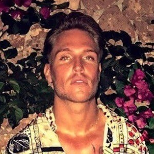 Tom Zanetti 7 of 9
