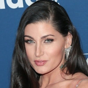 Trace Lysette 2 of 10
