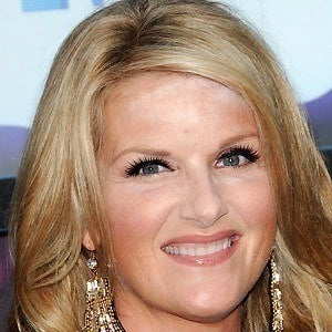 Trisha Yearwood 2 of 8