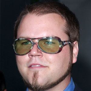 Tyler Labine 5 of 5