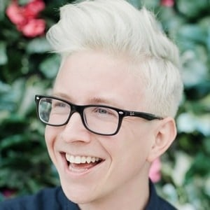 Tyler Oakley 5 of 10