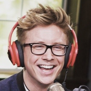 Tyler Oakley 7 of 10