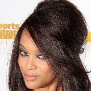 Tyra Banks 8 of 10