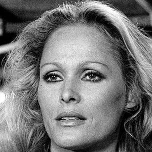 Ursula Andress 3 of 4