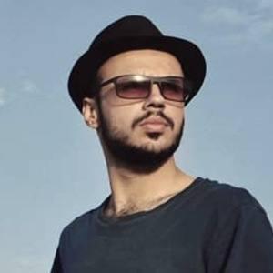 Vahid Takro 2 of 5