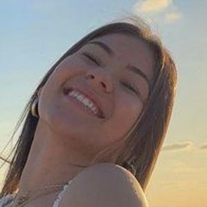Valentina Canas Headshot 7 of 10