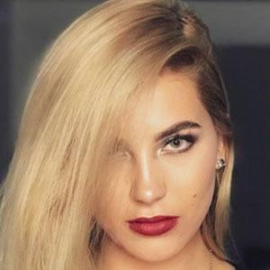 Valentina Gómez 3 of 5