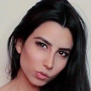 Valentina Villagra 6 of 6