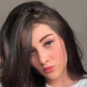 Valentina Zarate 2 of 5