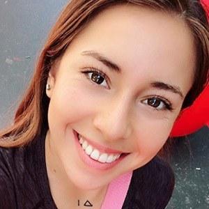 Valeria Orellana 3 of 5