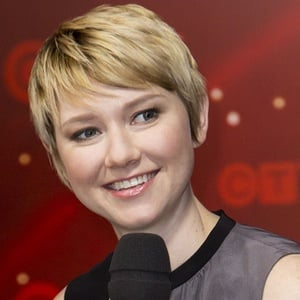 Valorie Curry 2 of 4