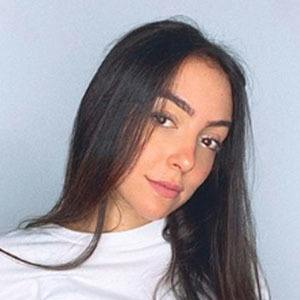 Vanessa Suárez Headshot 5 of 5